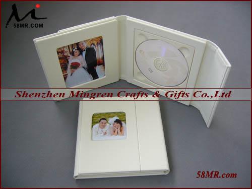 uxcell CD DVD 整理用ケース CDホルダー CDバッグ レッド 四角形 40枚収納 プラスチック