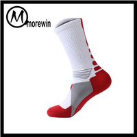 2016 Morewin custom oem wholesale black white elite basketball / mens sports socks and good quality cotton sock