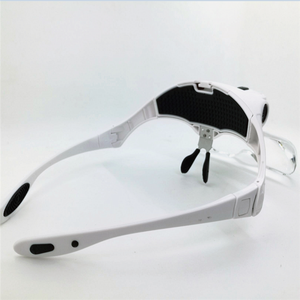 Head wearing magnifier for eyelashes extensions