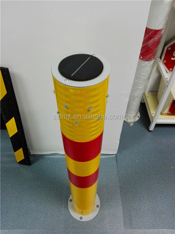 Roadside traffic safety plastic bollard