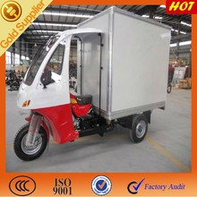 Three wheeler motorcycle with closed cabin