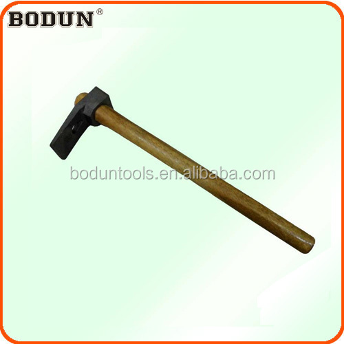 H4001 Adz with wooden handle