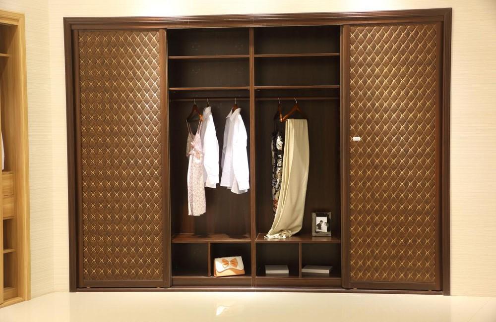 Living Room Design Ideas Wardrobe Inside Wooden Almirah ...