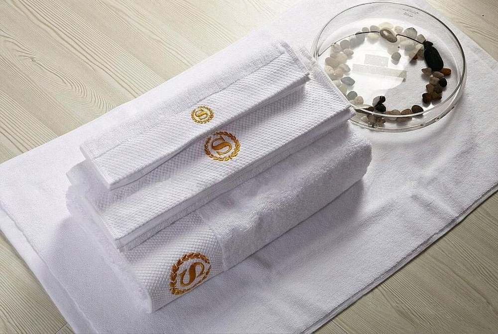 Hot Sale 16S Cotton Embriodery White Hotel Bath Towels