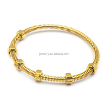 2017 Latest Designs Custom 18K Gold Plated Stainess Steel Nuts Bangle