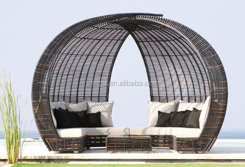 Luxury wicker rattan outdoor garden furniture with modern design