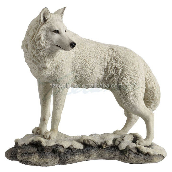 Plush Life Size Resin Snow Wolf Statue For