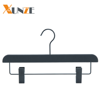 Luxury black rubber coated trousers pants hanger with plastic