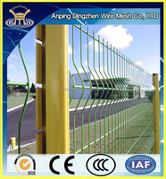 hot sale beautiful wire mesh fence pvc coated/galvanized triangle bend fence