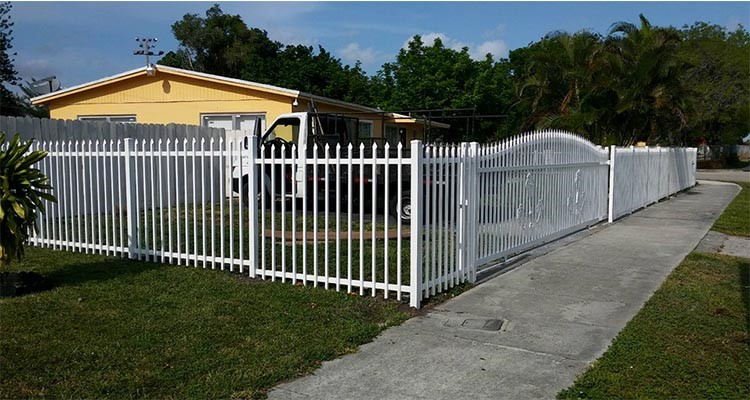 Decorative Low Price High Quality ISO9001 Cheap Wrought Iron Fence/Metal Steel Fence
