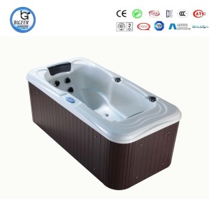 Aristech Acrylic shell single outdoor spa