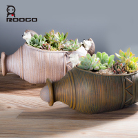 ROOGO Hot design resin vintagel flower garden pot animal hedgehog shaped vase