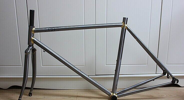 chromoly road bike frame with clear coating