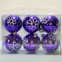 Beautiful Xmas tree ball decorations