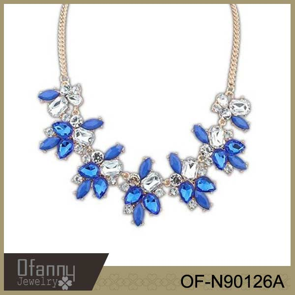 New Arrival Chunky Flower Necklace Beautiful Acrylic Costume Neclace