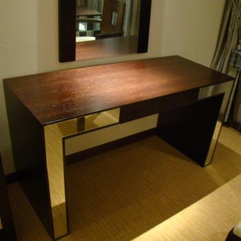 Highlight Dull Polished Gold Leaf Side Simple Design Hotel Study Table EMT 14051