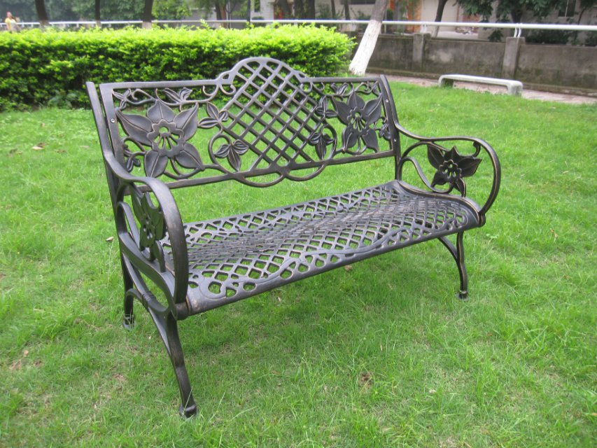 Heavy duty all weather rust free cast iron outdoor garden for Cast iron outdoor coffee table