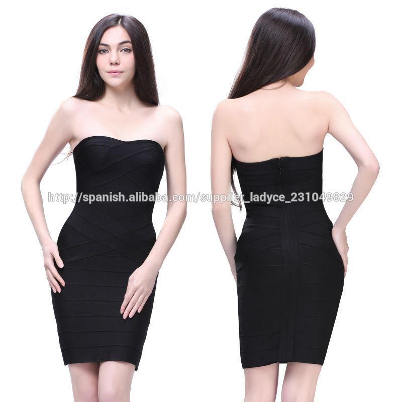 Vestido negro corto con tirantes
