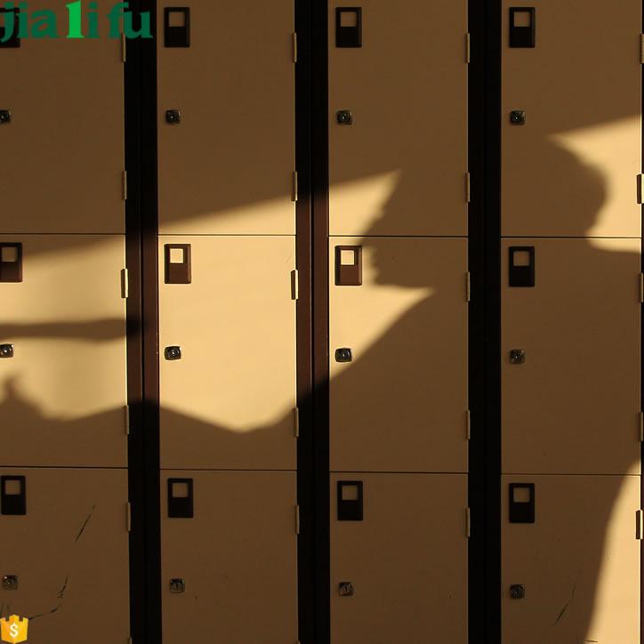acheter des lots d 39 ensemble french moins chers galerie d 39 image french sur casiers scolaires en. Black Bedroom Furniture Sets. Home Design Ideas