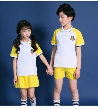 2017 New Style Kids School Uniform 2Pcs Sports Wear Sets with Badge
