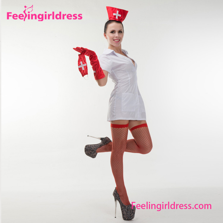 Фото девушки в костюмах медсестры