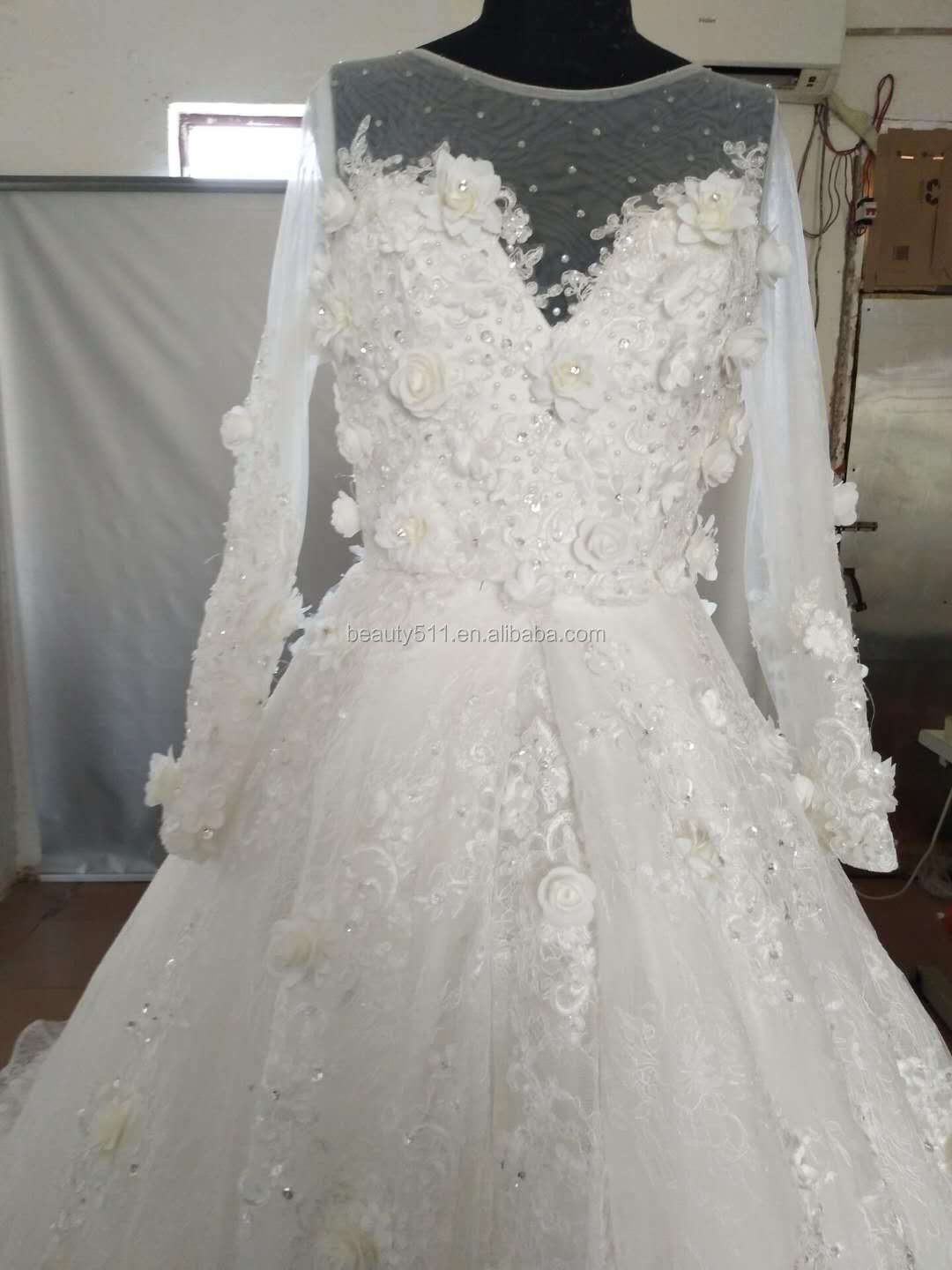 2018 Beaded Appliques Sweetheart long Train Lace Trumpet Wedding gown 3D flowers Long Sleeves wedding dresses