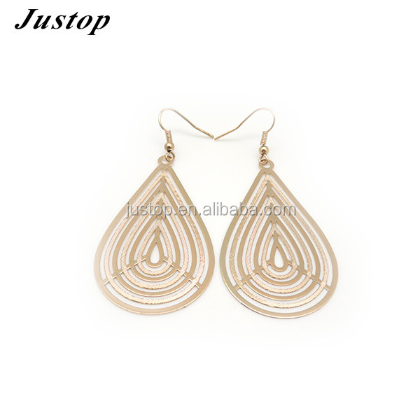 Droplets round sequin brass earring Organic fusion of art and technology