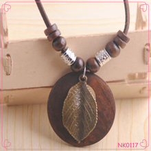 Hot Sale Latest Model Fashion Africa Wood Vintage Exaggerate Pendant Necklace