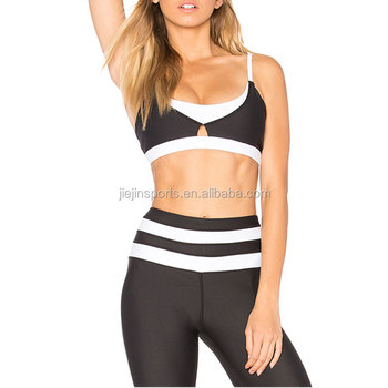 1091284e76358 Christmas Sexy Wholesale Black And White Color Bodybuilding Sports Bra  Fitting Breathable Deep V Women Gym