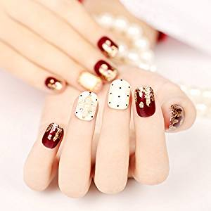 New Cute Japan Point Golden Wavy Pattern Short Fake Nails with Pearl Wine Red and Milk Color Square Full Cover False Nails