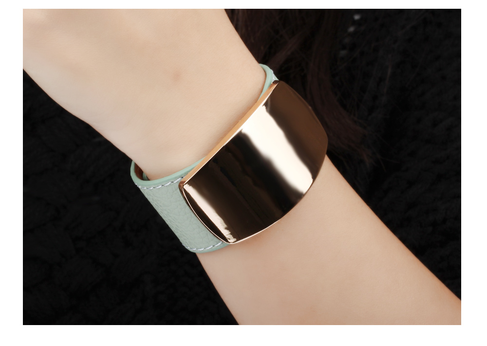 China Wholesale Market Women Plated Gold Engraved Black Wide Leather Wrist Cuff Bracelet