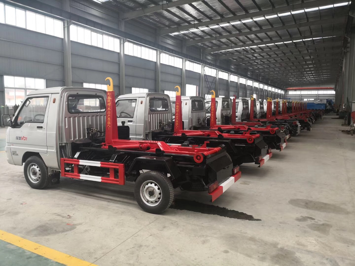 Dongfeng 10m3 Waste Truck Container Garbage Truck for Sale