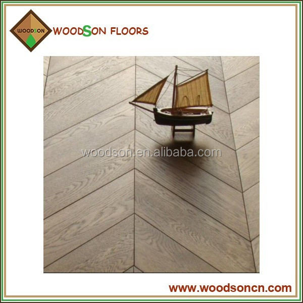 Wire Brushed Natural Oak Chevron Solid Parquet Flooring
