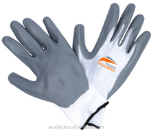 China Cheap Good quality 13 gauge white nylon grey Nitrile work gloves