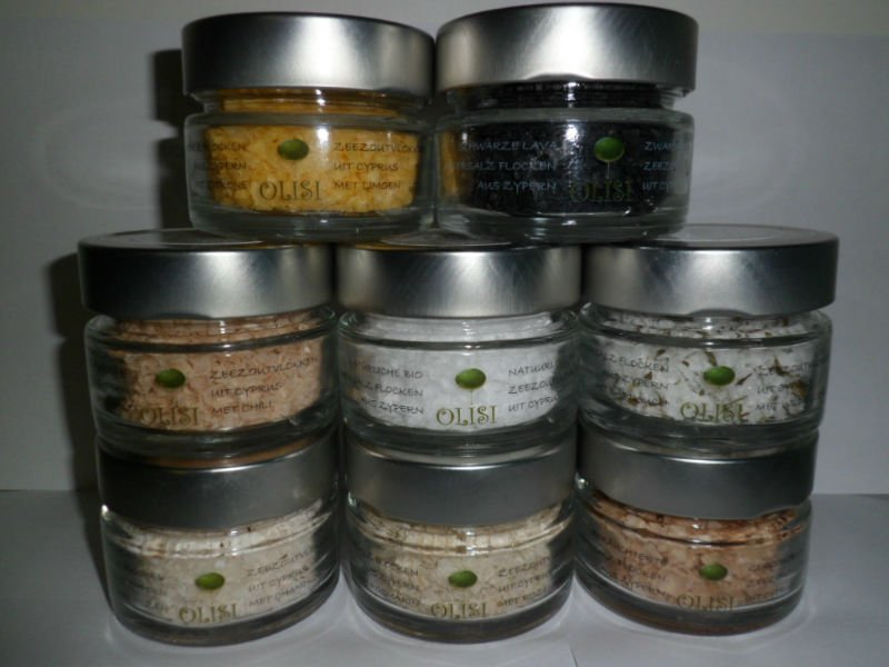 Olisi seasalflakes with different flavors