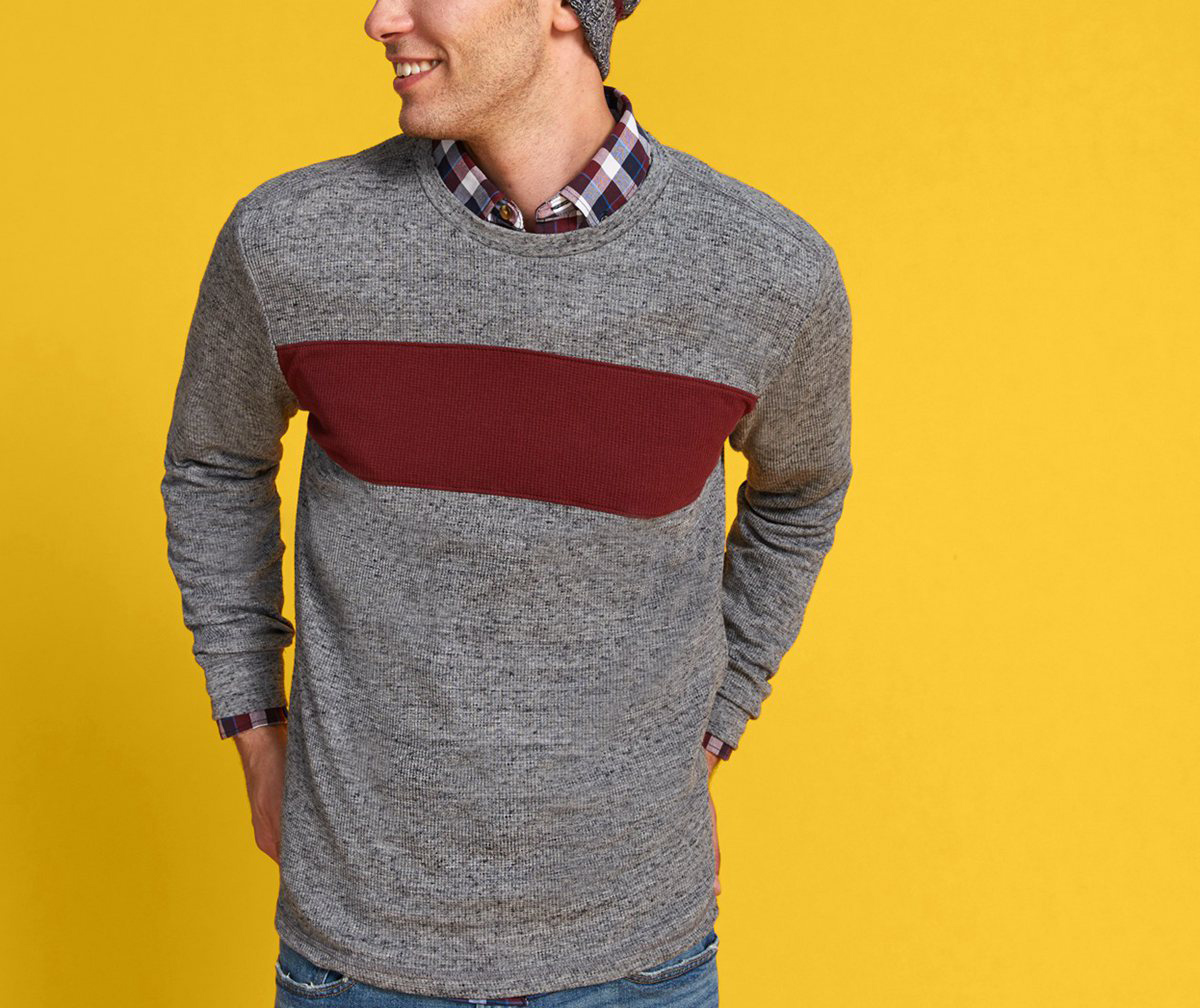 T shirt with round neck and long sleeves