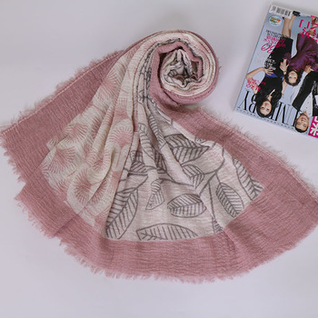 Yiwu Jiaren factory wholesale crepe printed hijab with fringe muslim lady scarf shoulder wrap shawl