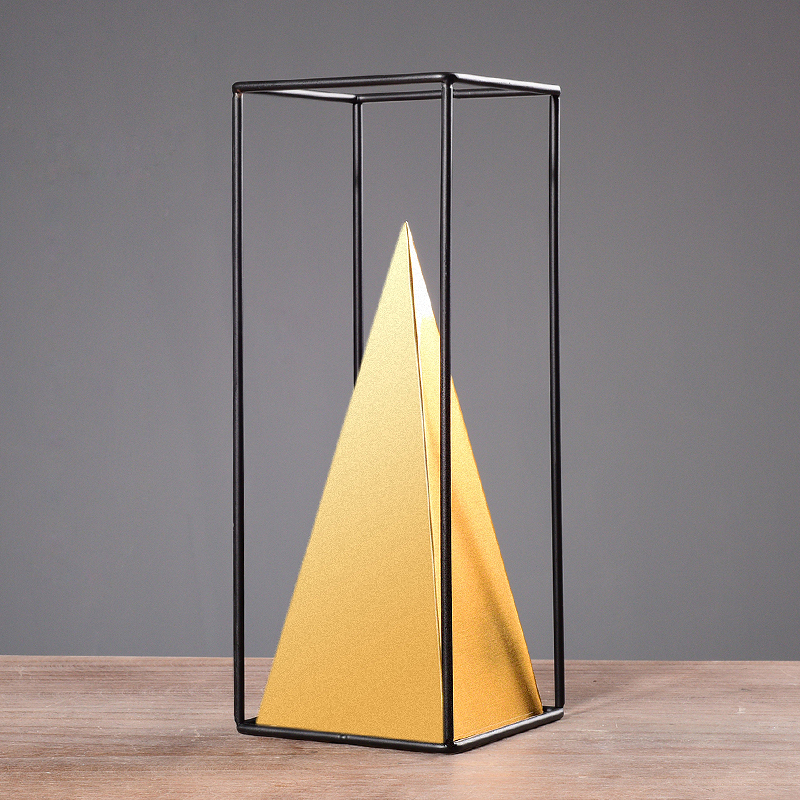 fashion gold metal pyramid  show pieces for home accessories decoration luxury