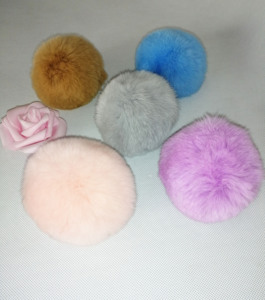In Stock Pink Gray White Mixed Colors Faux Fur Pom Poms Snap On Fluffy Vegan Fur Ball High Quality Detachable Faux Fur Pompoms