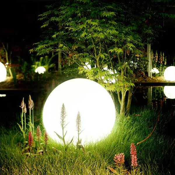 Led Outdoor Light With Smart Lighting Waterproof Decoration Solar Garden Ball Product