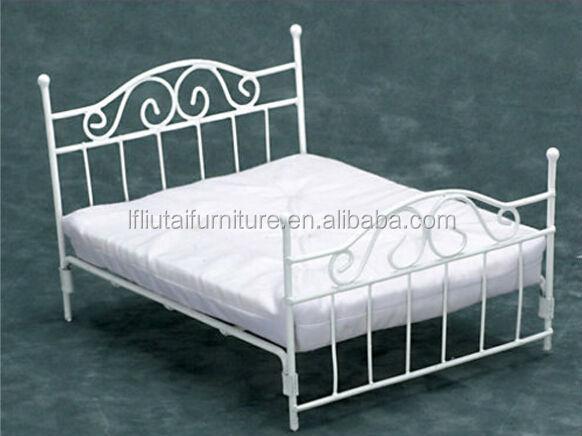 Slat Bed Frame Queen