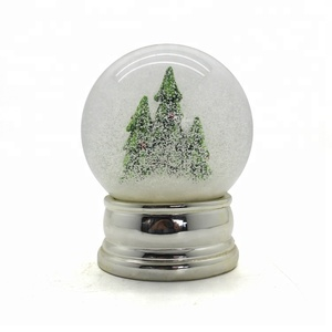 Customized beautiful snow globe/water ball wedding gifts for guests