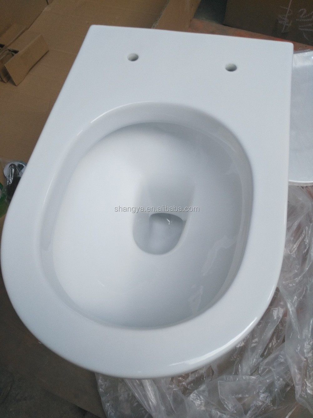 White Color High Quality Ceramic Wall Hung Toilet Bowl With Soft Closing Seat