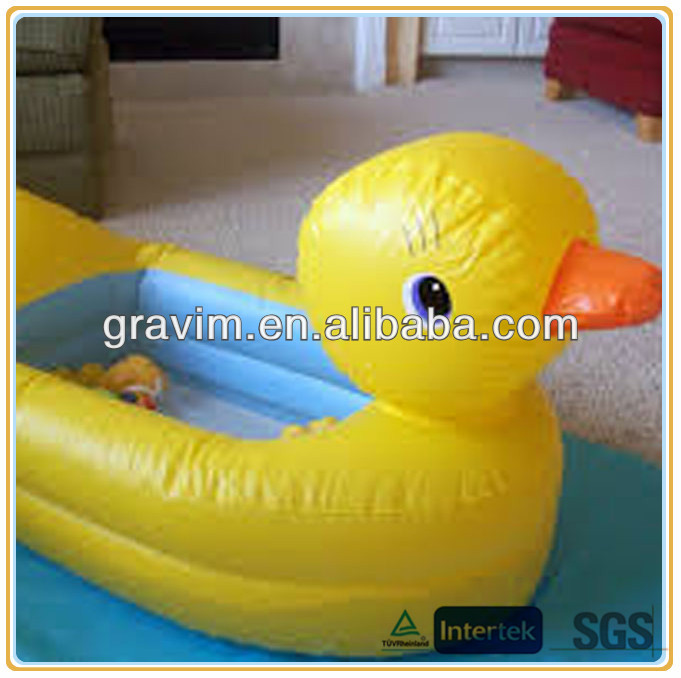 Big yellow swimming funny toy bating rubber duck