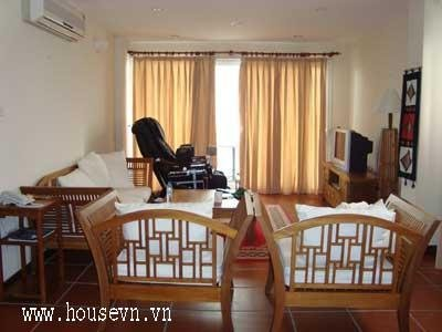 apartment for rent in ba dinh hanoi vietnam facing Truc Bach Lake