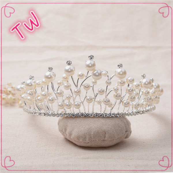 Free sample good quality 2017 trendy pearl pearl jewelry wedding party design crystal rhinestone tiara flower <strong>crown</strong>