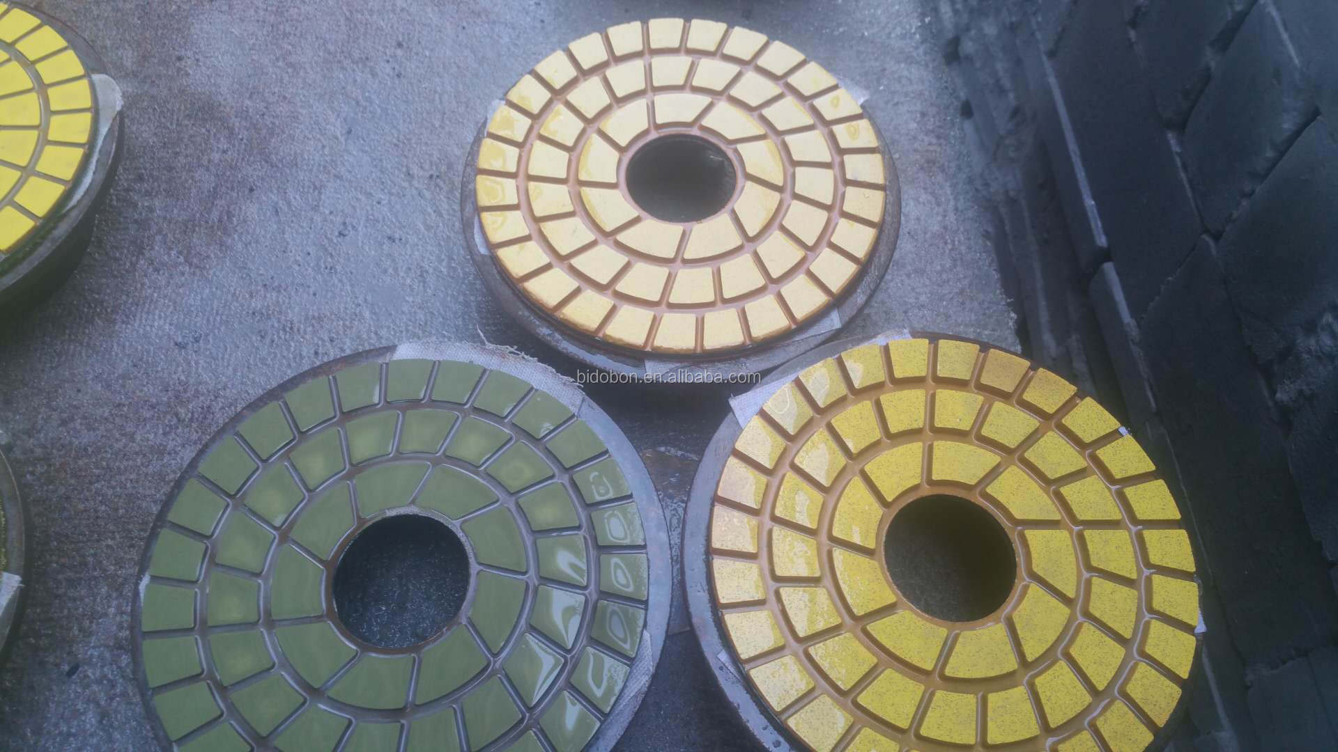 Factory Supplying 200mm/220mm Diamond polishing pads Export to Pakistan