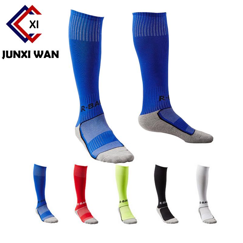 Compra calcetines de fútbol para niños online al por mayor