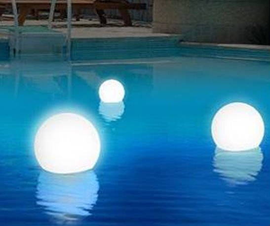 Glowing Rechargeable Floating Ball Lights Pool Decorations .