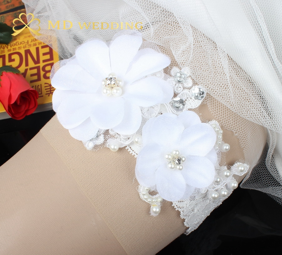 Crystal Wedding Garter: New White Flower Lace Wedding Garter With Pearl Crystal